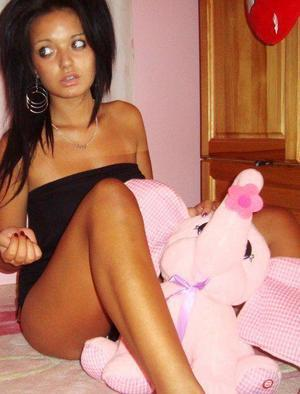 Ella from New Mexico is looking for adult webcam chat
