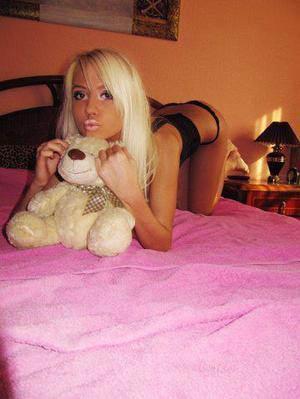 Thersa is looking for adult webcam chat