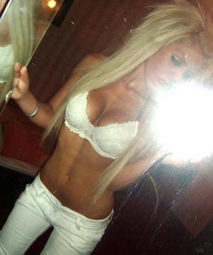 Hedwig is looking for adult webcam chat