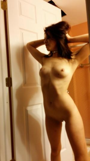 Chanda from Karluk, Alaska is looking for adult webcam chat