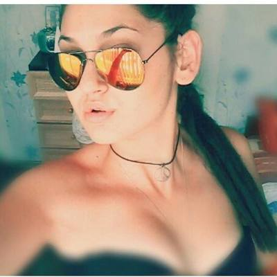Elodia is looking for adult webcam chat
