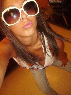 Angie from Virginia Beach, Virginia is looking for adult webcam chat
